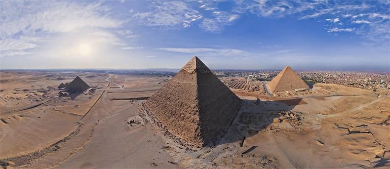 Pirámides viaje LIber